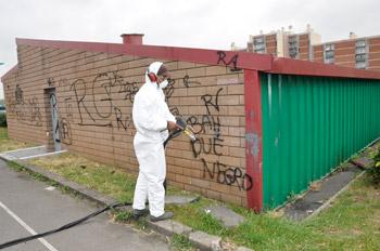 Nettoyage des graffiti