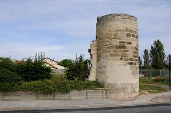 La tour d'enceinte